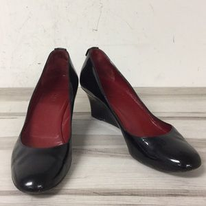 Gucci Black Patent Leather Round Toe Wedge Shoe